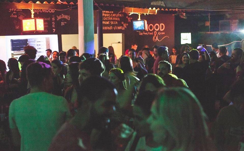 Balada fecha rua para minifestival, no Marista