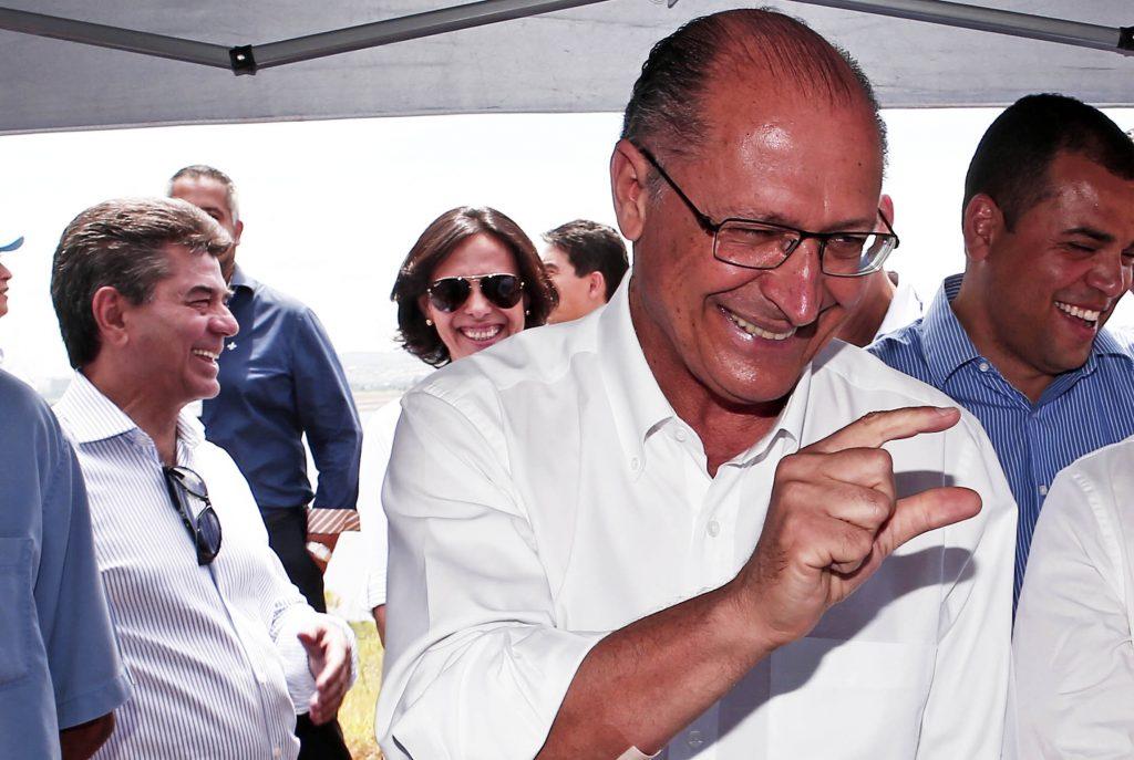 """""""Alckmin fez gol de cabeça sem se mexer"""""""