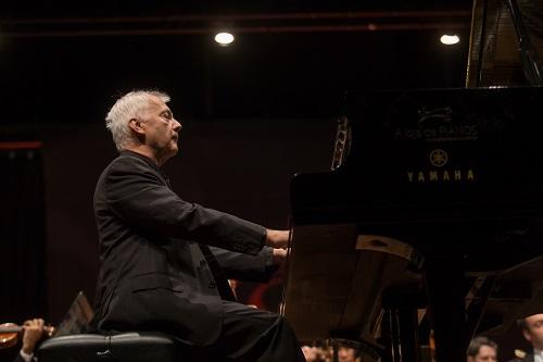 Orquestra Filarmônica recebe pianista convidado no Teatro Goiânia