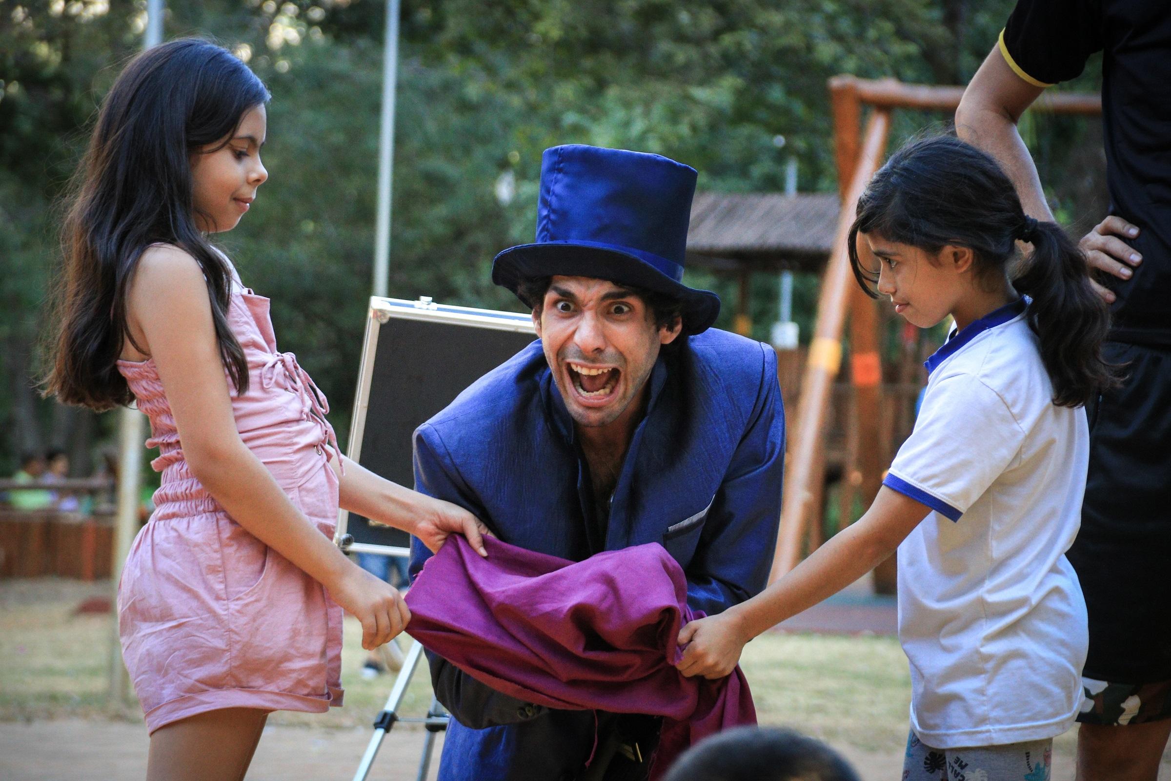 Feiras livres terão espetáculo gratuito de circo e mágica