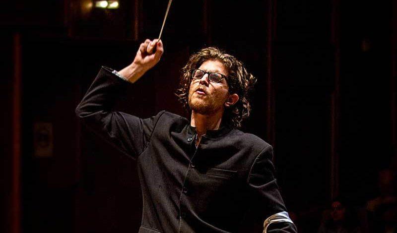 Filarmônica receberá maestro britânico e barítono uruguaio