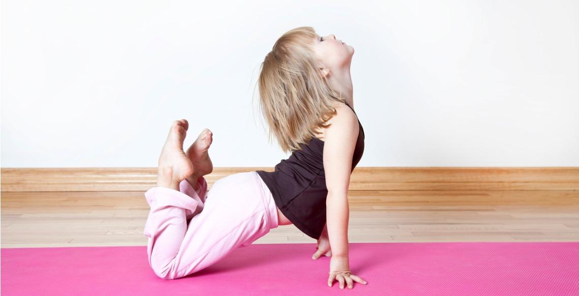 Loja oferece aulas gratuitas de Yoga para crianças neste feriado