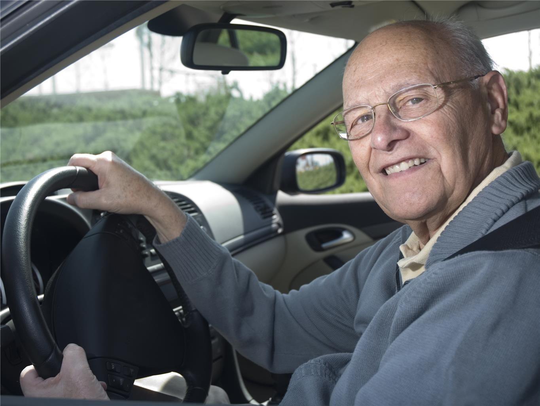 Uber se consolida como complemento de renda para idosos e aposentados