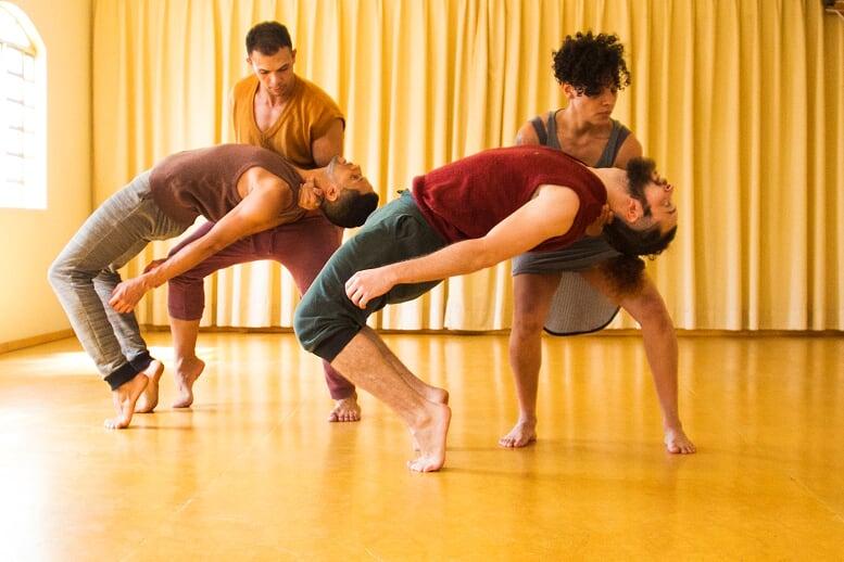 Questionando as fragilidades humanas, CenÁpice Cia de Dança apresenta 3º espetáculo, em Goiânia