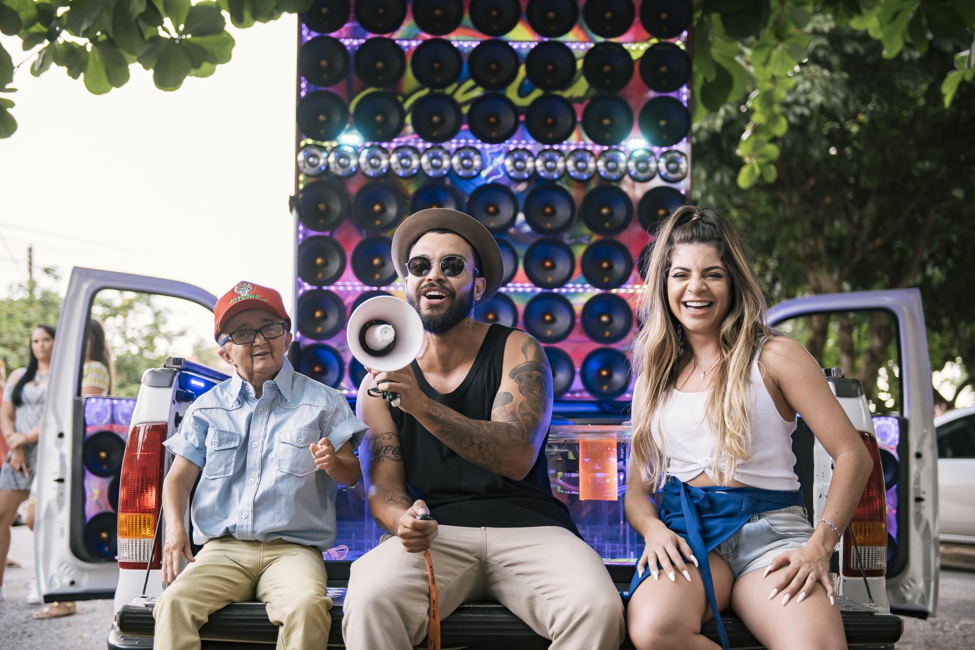 Thiago Brava grava clipe de 'Me Chama de My Love' em Goiânia