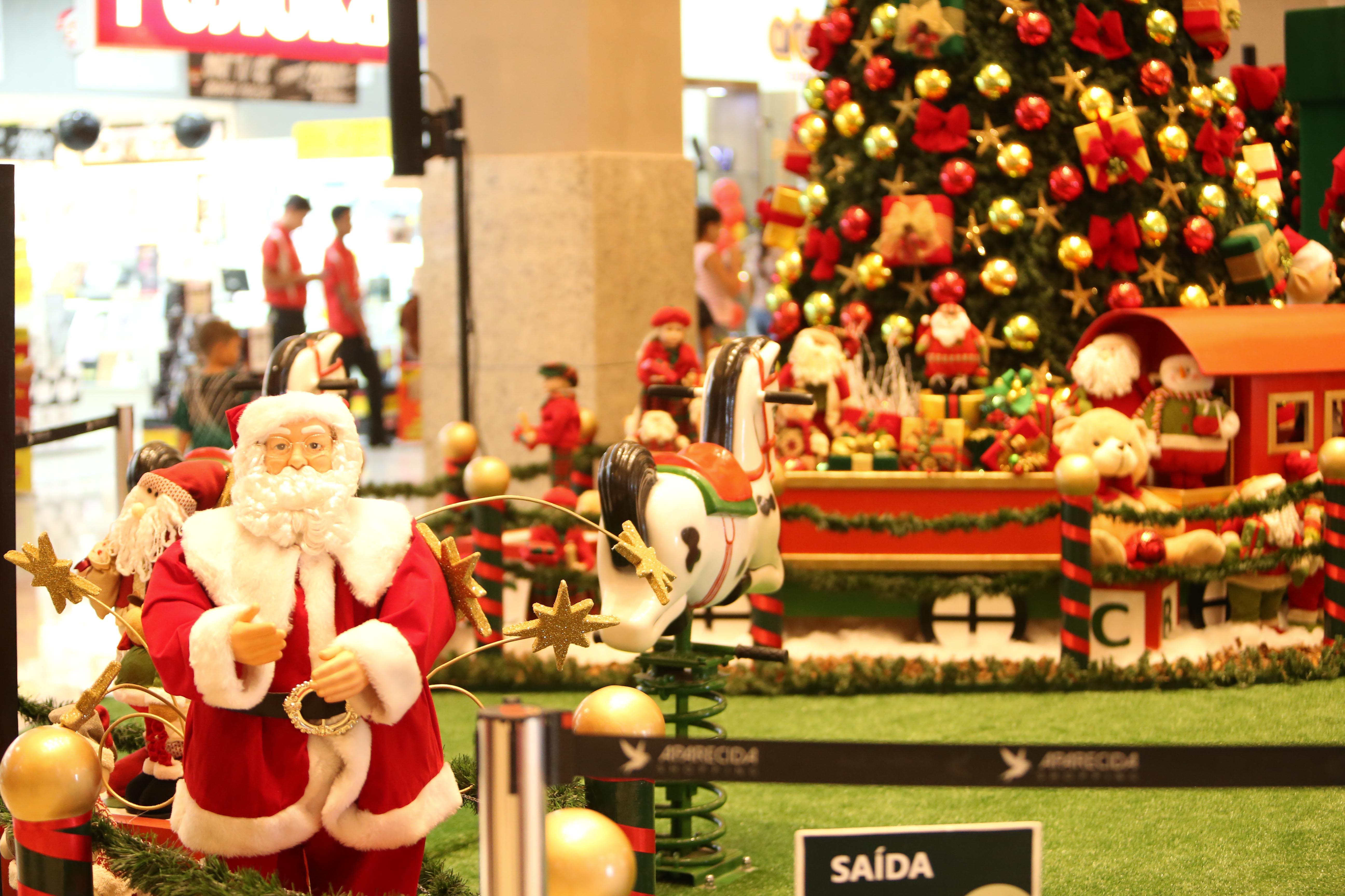 Aparecida Shopping inaugura decoração de Natal com chegada do Papai Noel