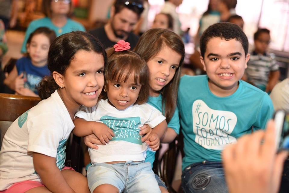 Estação Turma da Mônica proporciona tarde de diversão para crianças com nanismo