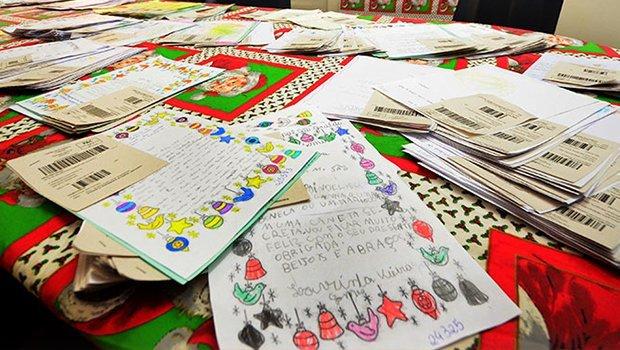Cartinhas da campanha Papai Noel dos Correios já estão disponíveis em Goiânia