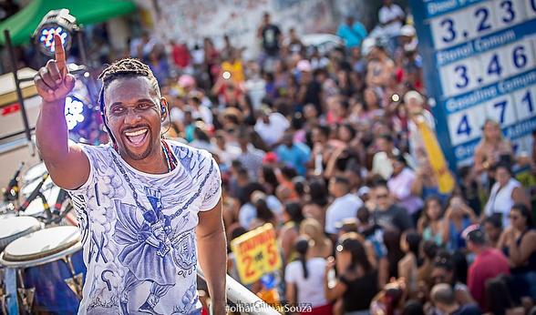 Beto Jamaica faz show gratuito em Goiânia