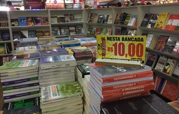 Shopping em Goiânia recebe Feira Top Livros com preços acessíveis