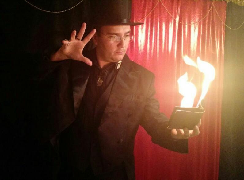 Shopping em Goiânia promove shows de mágicas com entrada franca