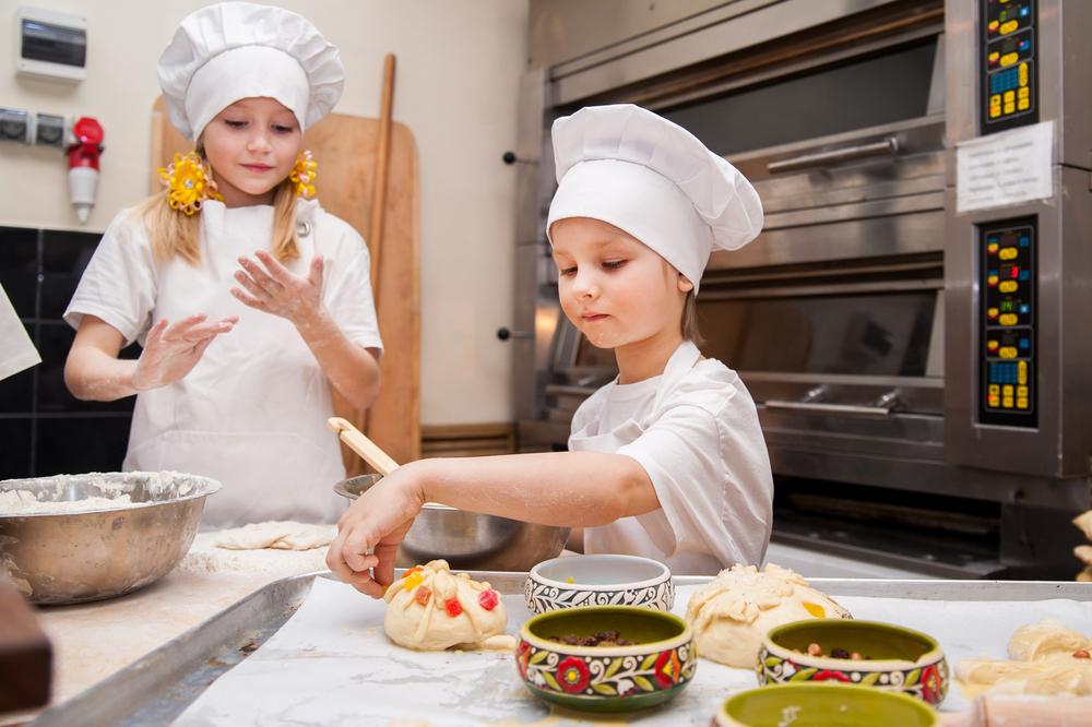 Shopping em Aparecida de Goiânia promove oficina de pizza para crianças