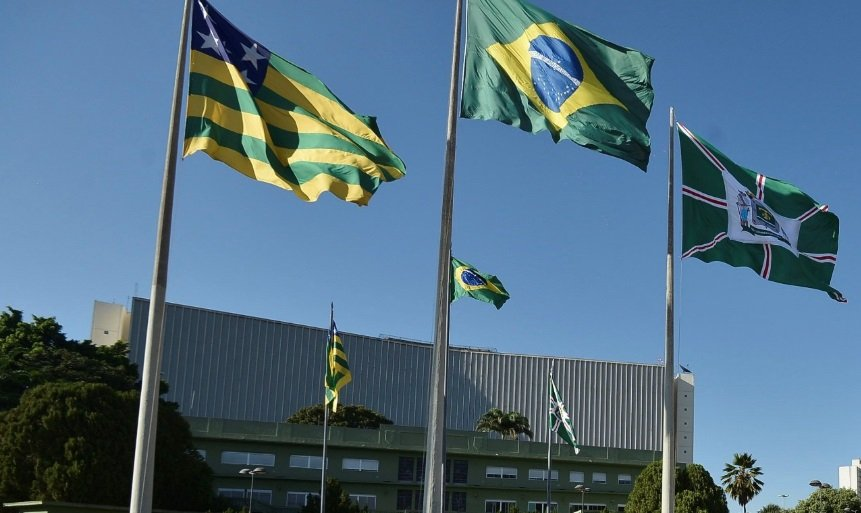 Escolas estaduais vão executar hinos Nacional e de Goiás