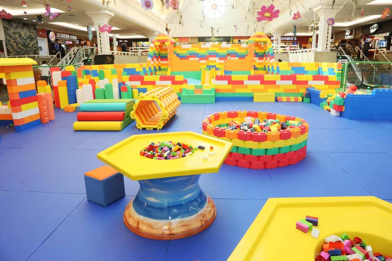 Atração infantil Mundos dos Blocos chega a centro de compras em Goiânia