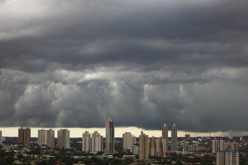 Goiás com pancadas de chuva, trovoadas e raios nesta sexta-feira (08)