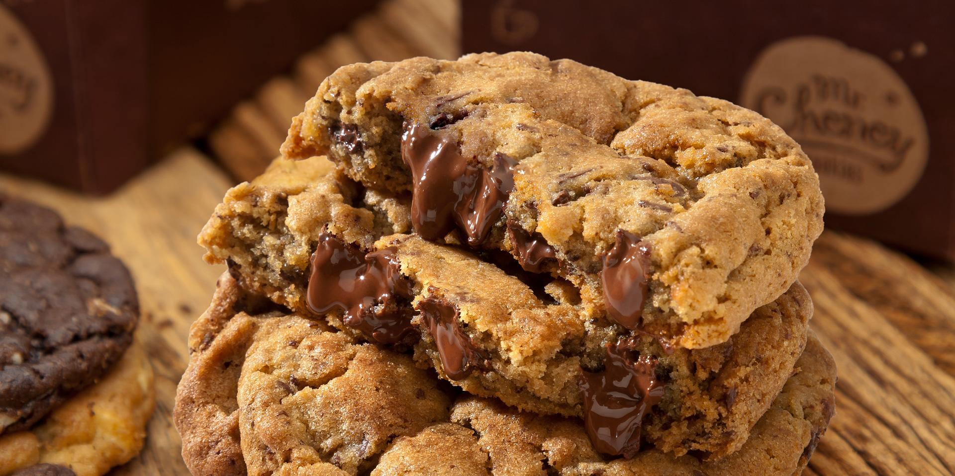 Mr. Cheney oferece cookies com 40% de desconto no Goiânia Shopping