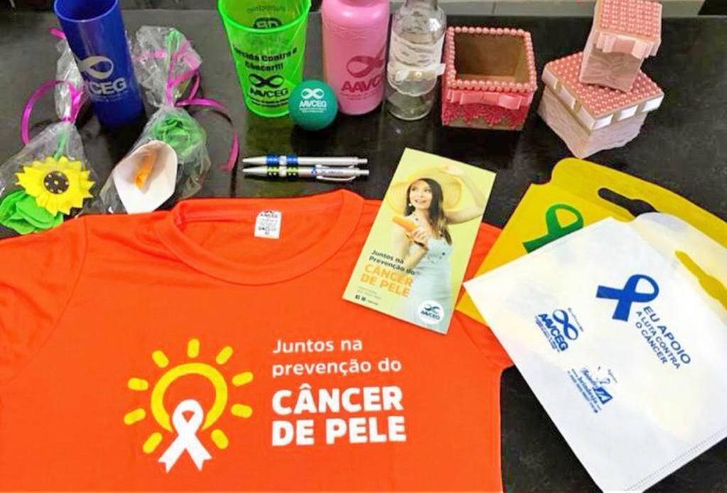 Balcão da AAVCEG no Shopping Cerrado conscientiza sobre câncer de pele