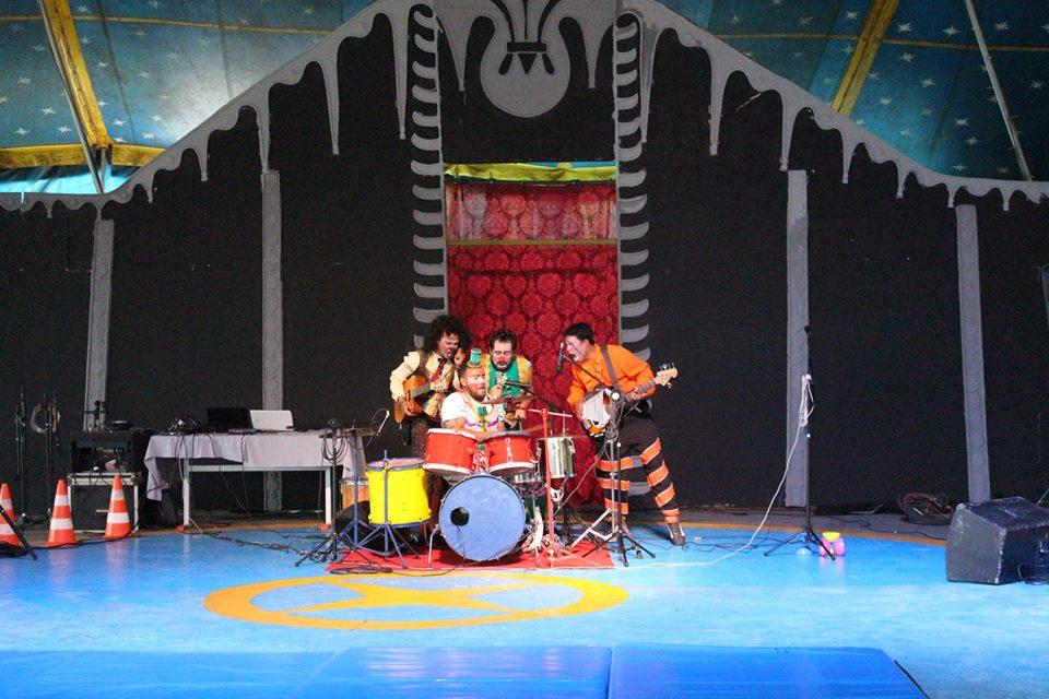 Projeto 'Domingo no Circo' promove CarnaForró em Goiânia