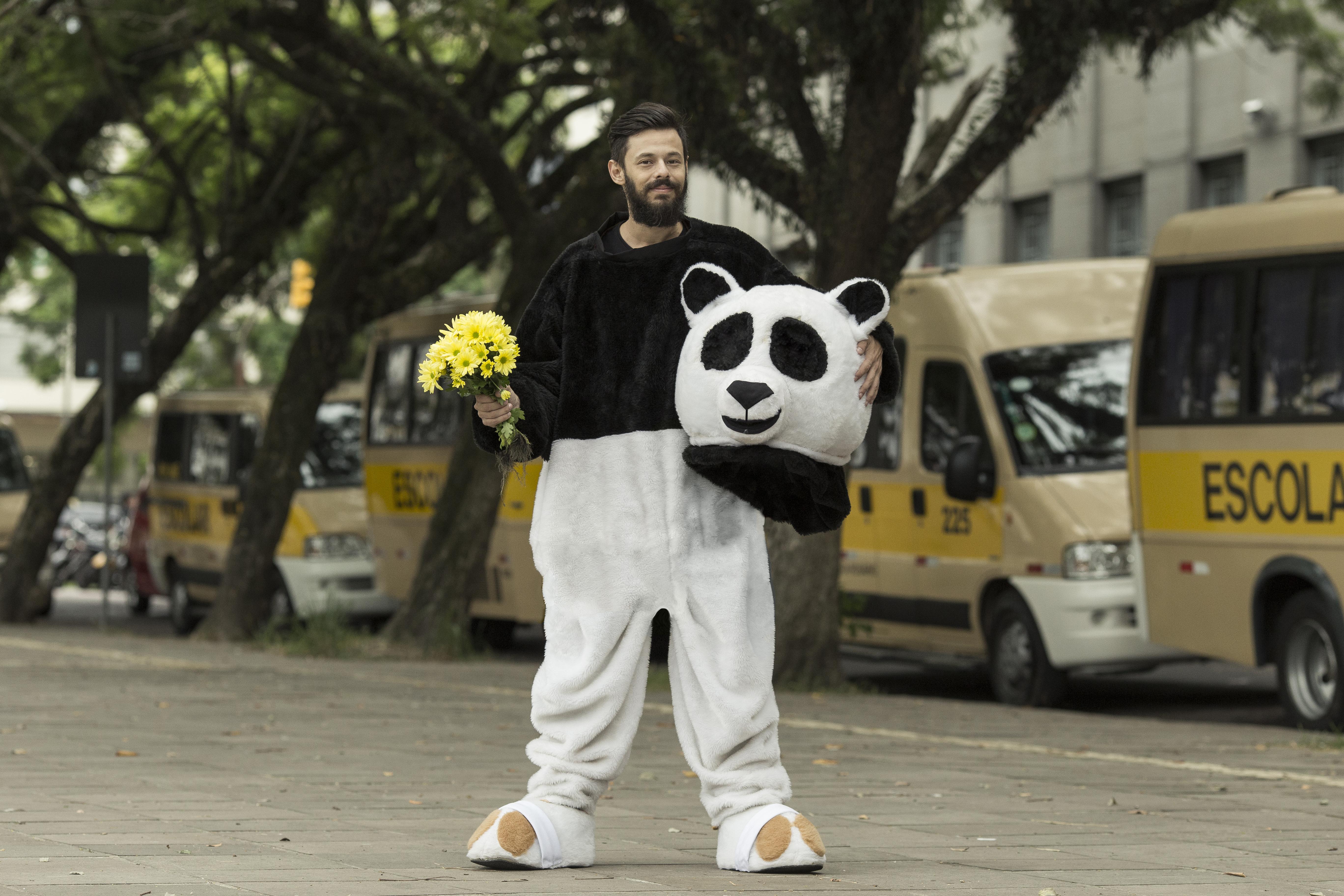 Humorista Nando Viana se apresenta em Goiânia com seu novo espetáculo