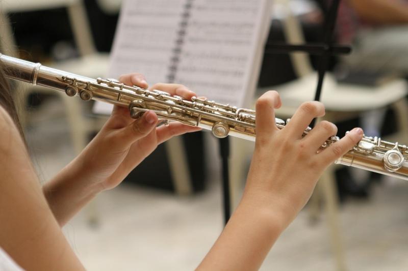 Orquestra Feminina se apresenta em homenagem ao Dia da Mulher