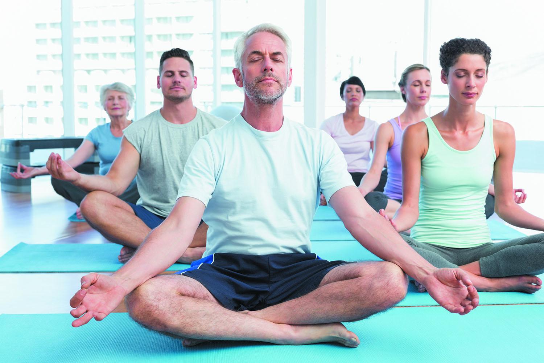 Galeria de arte oferece aula gratuita de yoga em Goiânia