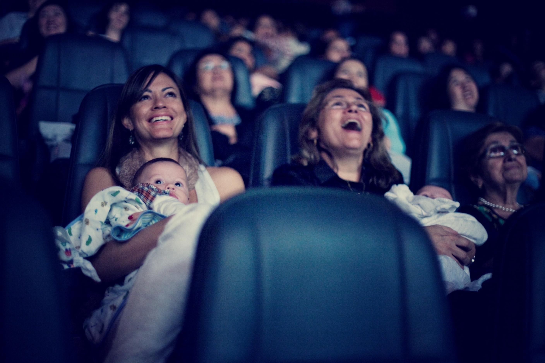 """CineMaterna no Flamboyant exibe """"De Pernas Pro Ar 3"""""""