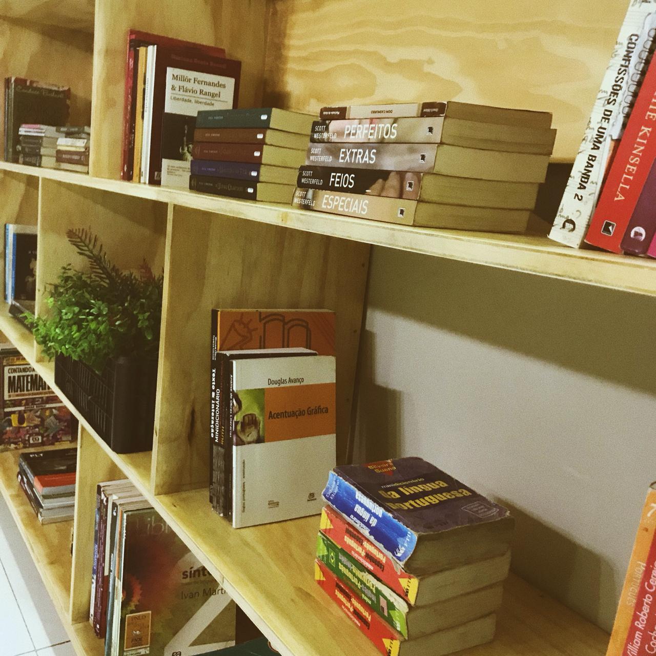 Buriti Shopping abre biblioteca comunitária para promover acesso e incentivo à leitura