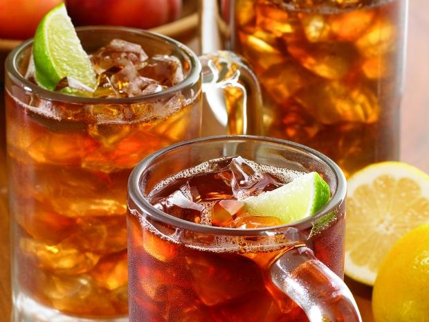Outback Steakhouse promove 4ª edição do 'Iced Tea Day' em parceria com a AACD