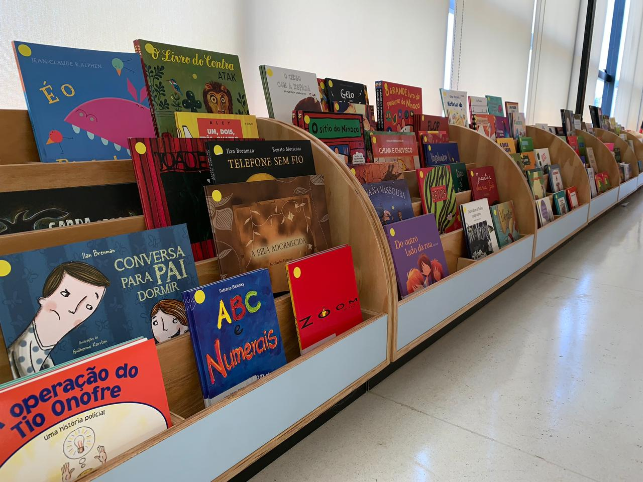 Centro Cultural Oscar Niemeyer inaugura biblioteca infantil