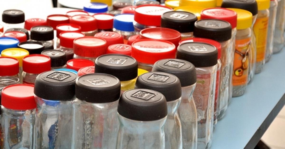 Campanha arrecada frascos de vidro para doação de leite materno em Goiás