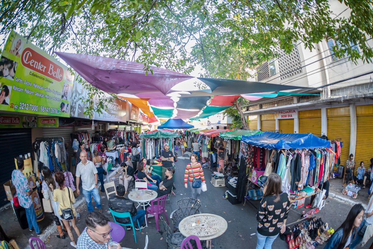 12° Encontro de Brechós ocupa o centro de Goiânia com samba de roda e entrada gratuita