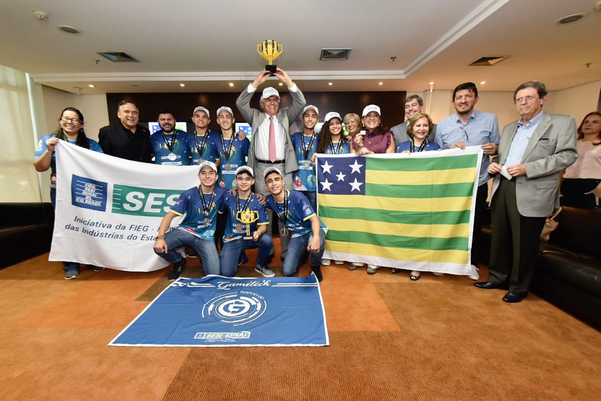 Governo de Goiás homenageia estudantes goianos campeões em torneio da Nasa