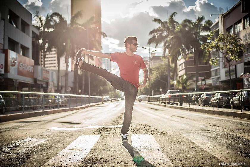 Centro Cultural Oscar Niemeyer é a nova sede do projeto Yoga na Rua