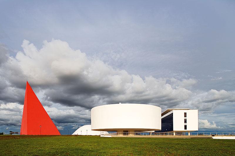 Centro Cultural Oscar Niemeyer divulga atividades gratuita para a semana