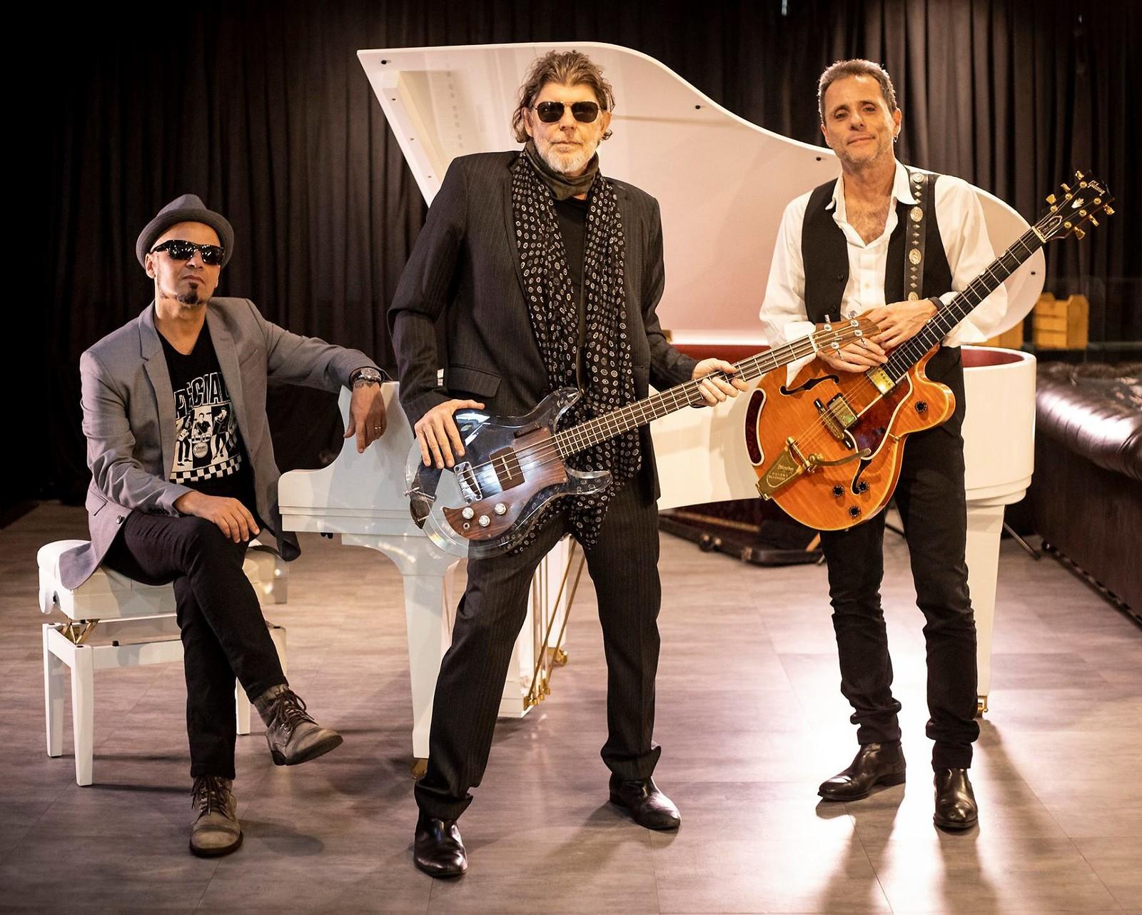 Titãs Trio Acústico apresentam repertório em Goiânia