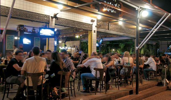 Empresários pedem reabertura de bares e restaurantes na capital